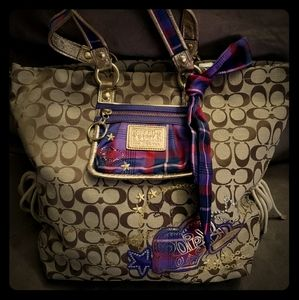 Rare large Coach Poppy purse